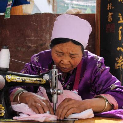 En muchos sitios vimos como trabajaban los locales de Songpan