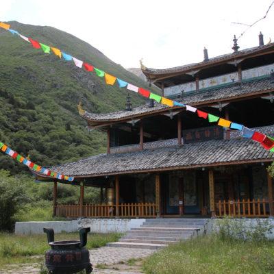 Hay un par de templos también en el recorrido de Huanglong