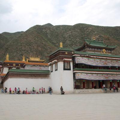 El templo de Labrang es un enorme recinto con muchos templos