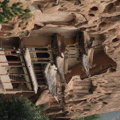 Ver cómo salen los tejados de la roca es algo curioso y muy bonito