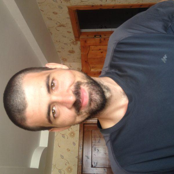 Nico ¡por fín afeitado!