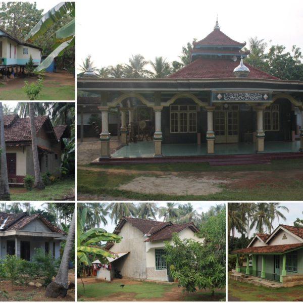 Las casas con los laterales sin acabar y algunas mezquitas entretuvieron nuestro recorrido en moto